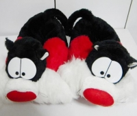Babuchas-Hello-Kitty-Winnie-Pooh-silvestre-Muecos-Disney-20140510231833